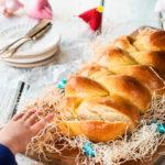 Ostertisch mit Fluffigem Hefezopf - Ostern kann kommen